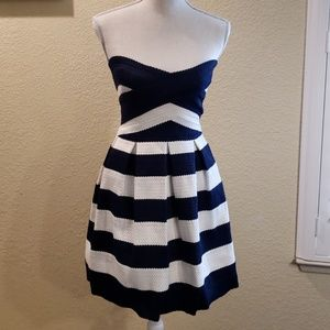 BCBGMaxAzria strapless  dress Sz XS